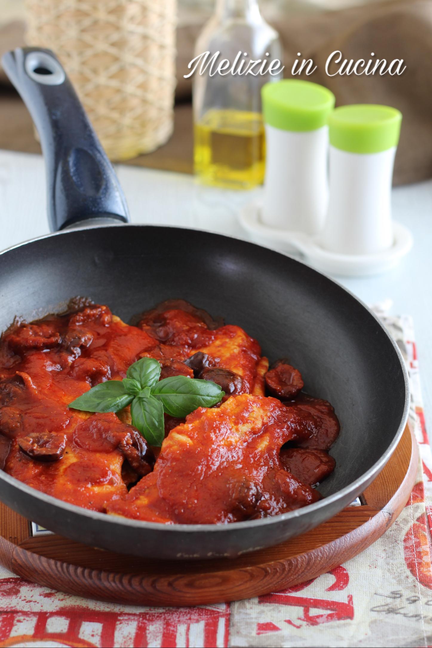 Pollo al Sugo in Padella