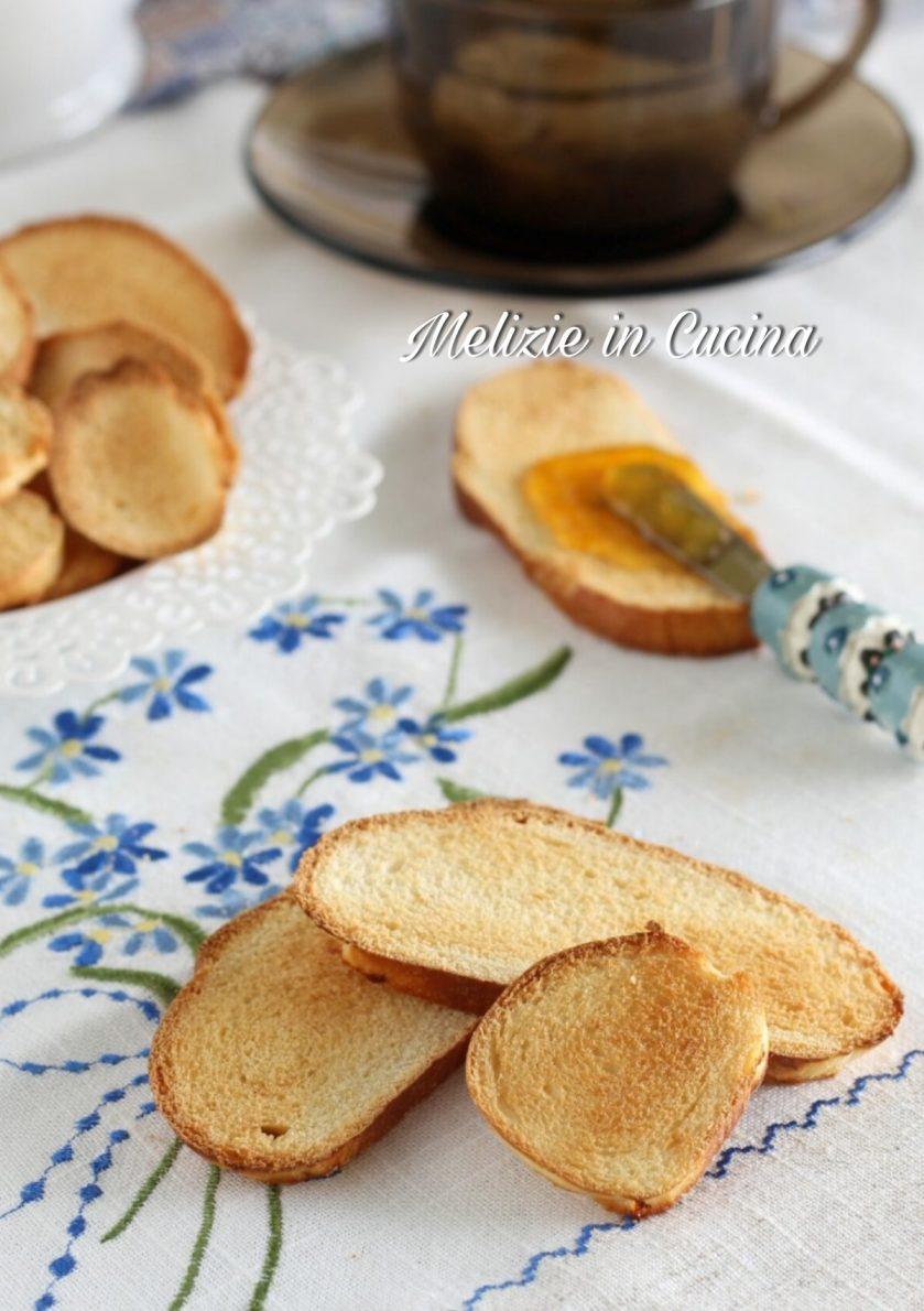 fette biscottate con brioches avanzate