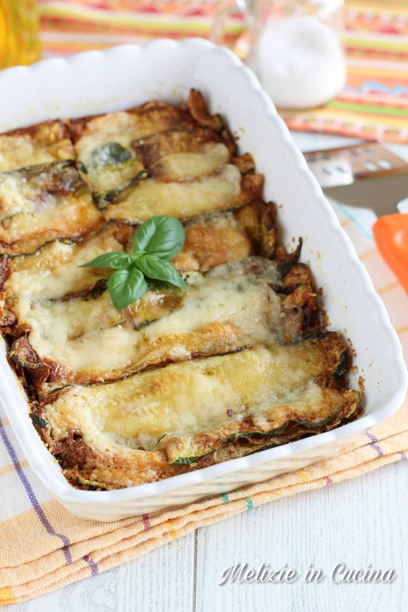 Parmigiana bianca di zucchine al microonde